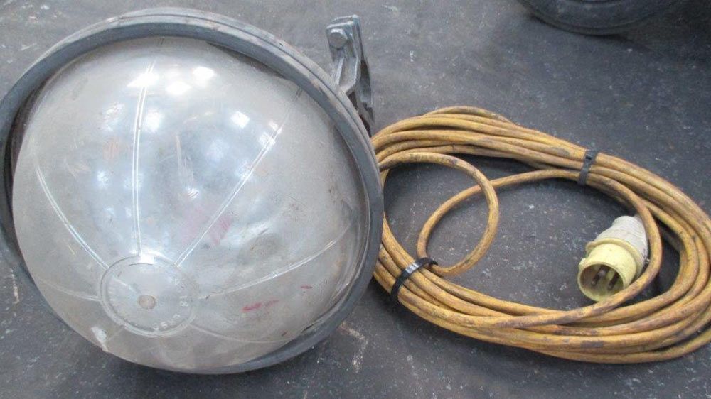 110 volt work light